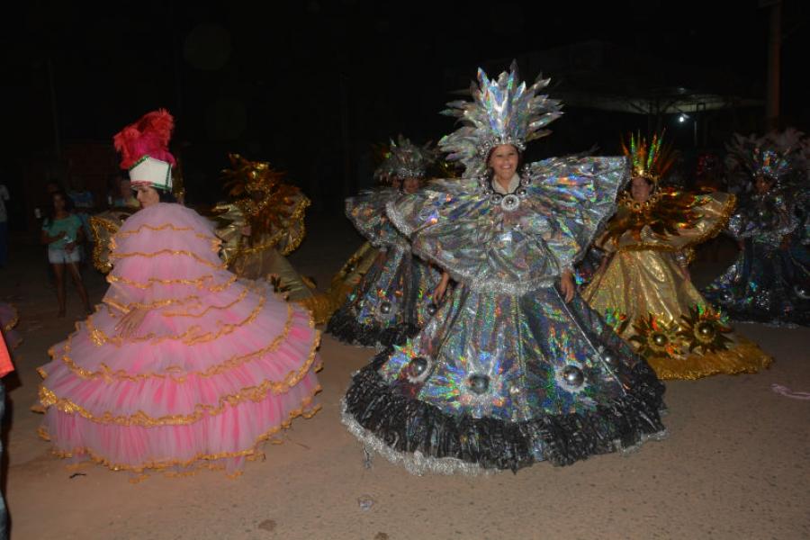 Carnaval em Santana do Manhuaçu supera expectativas, e arrasta foliões nos 4 dias de folia.